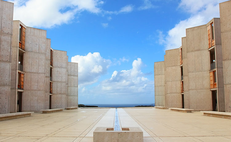Symmetrical architecture of the Salk Institute in San Diego with fountain